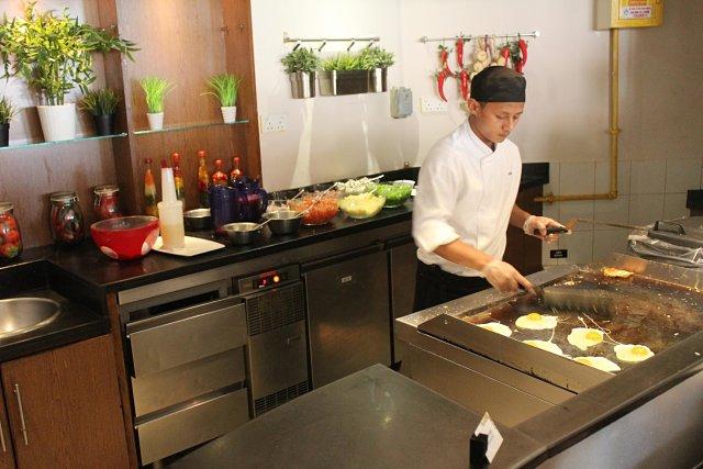 Fujairah Rotana Hotel , United Arab Emirates - Kitchen