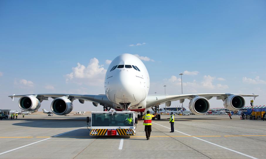 Emirates Airline - Flights to Dubai,global travellers, inflight cuisine, Dubai flights, Business Class passengers,  inflight entertainment system