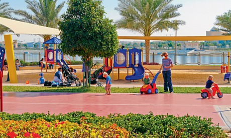 Al Barsha Pond Park, Places to visit in Dubai, Parks in Dubai, Barsha Park, Dubai, UAE , joggers, families, fitness fiends, kids' birthday parties and picnickers.