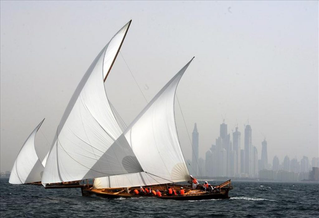 22ft Traditional Dhow Sailing Race: Heat 2