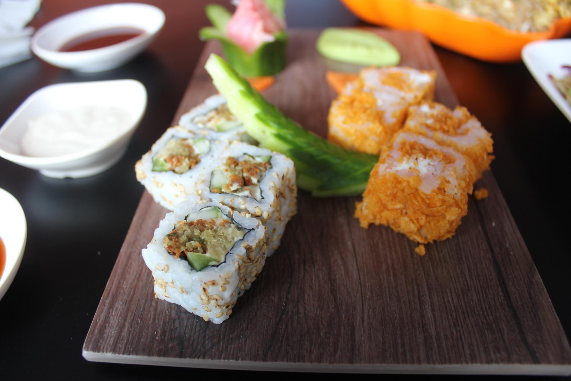 Cheesy Chips Oman and Falafel,Cucumber and Hummus Sushi - Moshi Restaurant Dubai Review