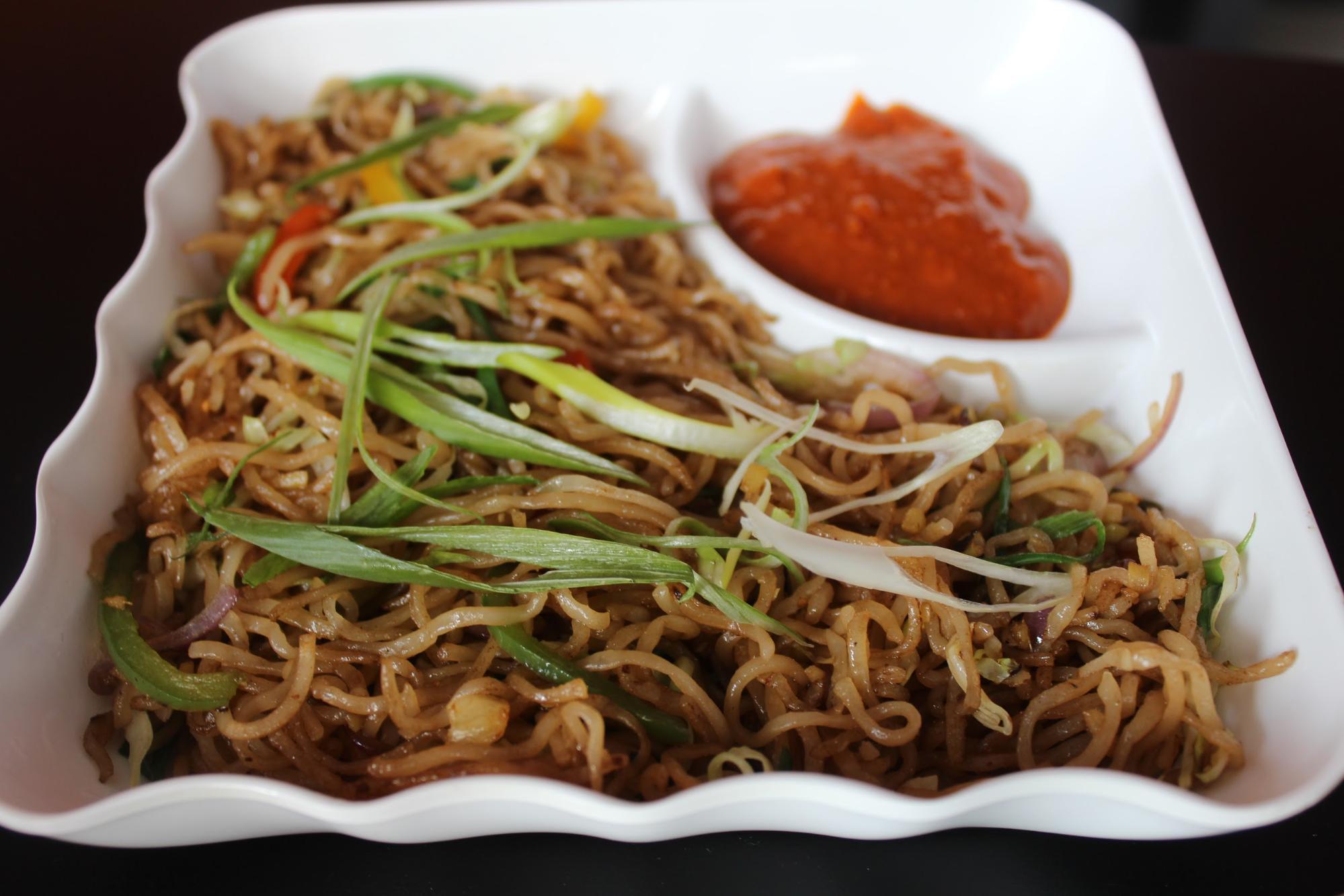 Vegetable fried noodles - Moshi Restaurant Dubai Review