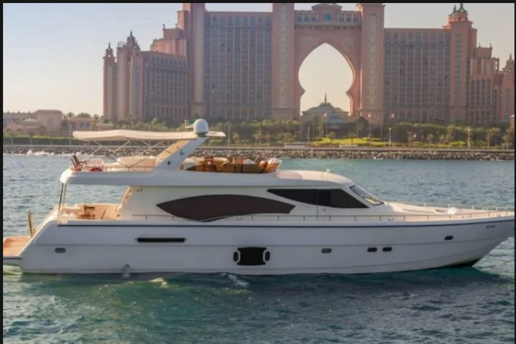Private yachts for rent in Dubai