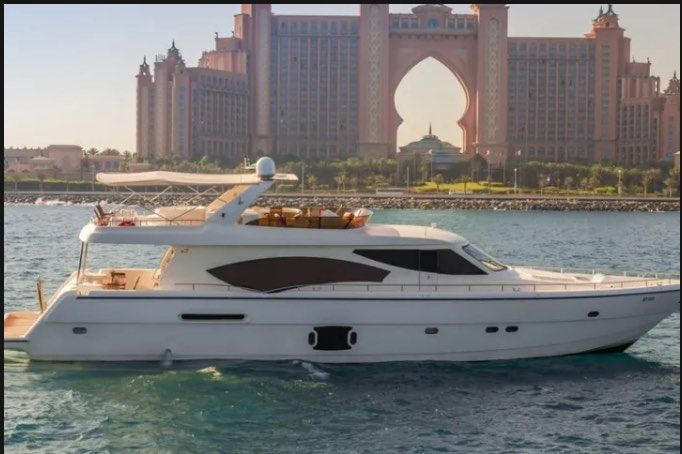 Private yachts for rent in Dubai Royal Star Yachts & Boats