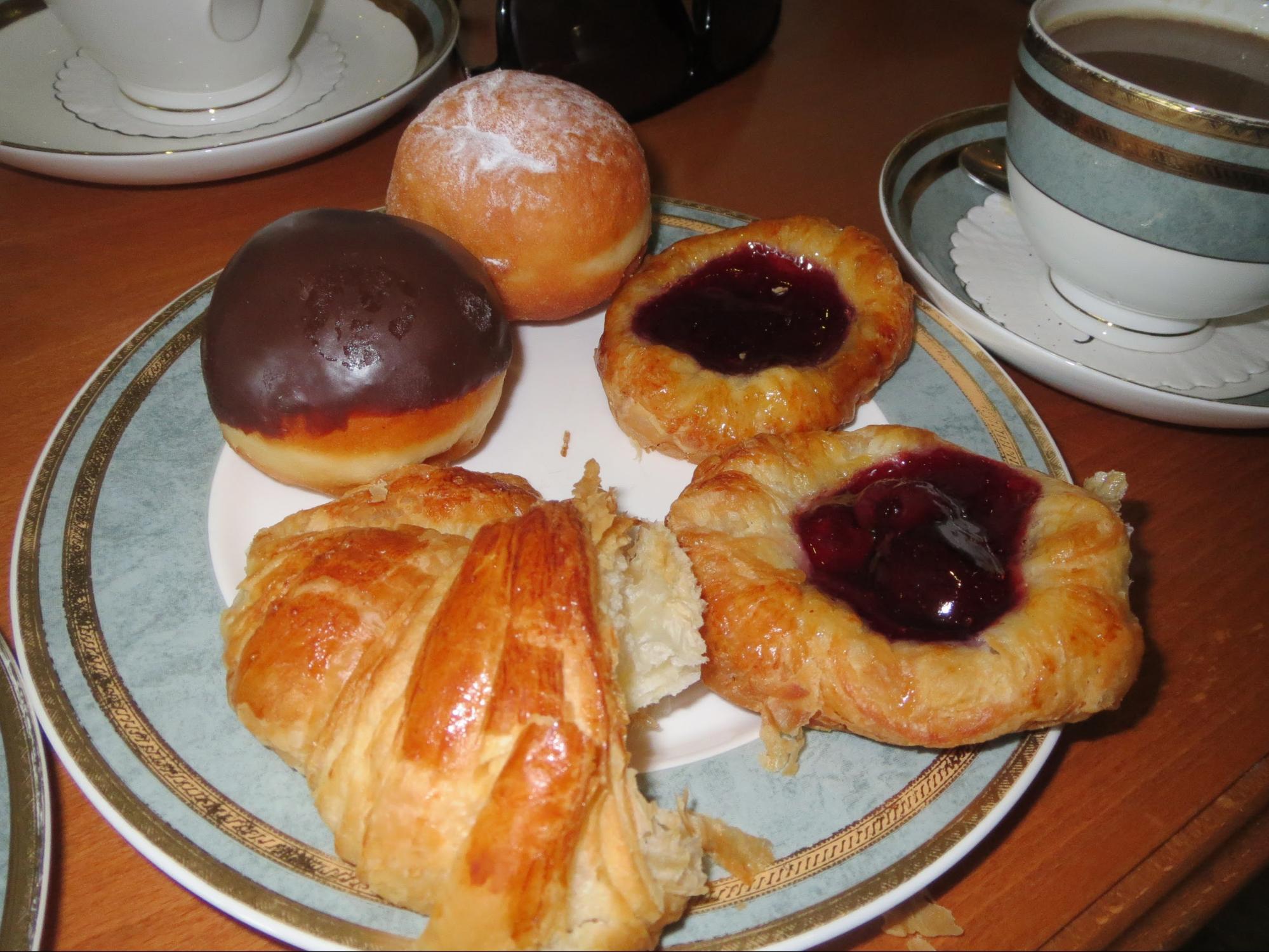 Kempinski Hotel, Ajman Review - Perfect Buffet Breakfast