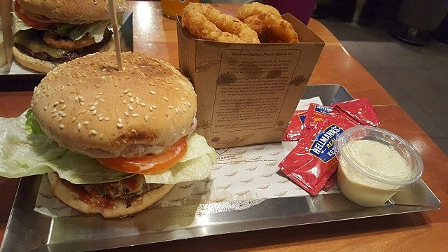 Burgerfuel Restaurant Dubai - Review - Mouth Watering Burgers