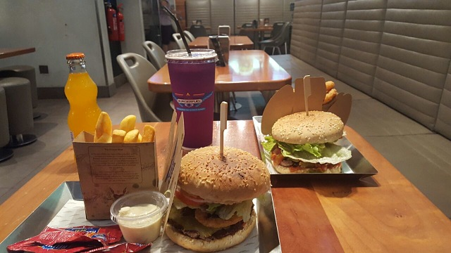 Burgerfuel Restaurant Dubai - Review - Delicious Burgers