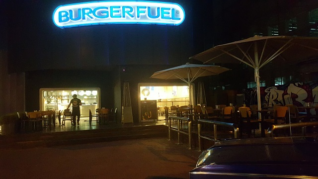 Burgerfuel Restaurant Dubai, UAE - Review - Top Burger Joint in Dubai