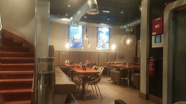 Burgerfuel Restaurant Dubai, UAE - Review - Good Ambience