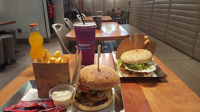 Burgerfuel Restaurant Dubai, UAE - Review - Yummy Burgers