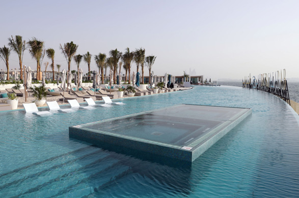 7 star luxury hotels and luxury desert hotels in dubai for Luxury hotels in dubai 7 star