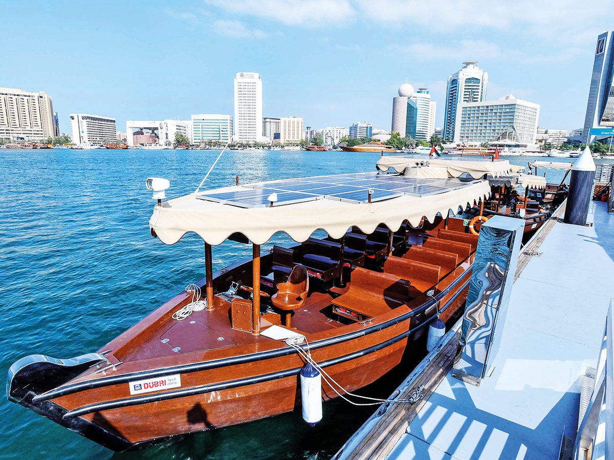 Dubai's First Hybrid 20-Seater Abra – AED2 fare between 2 stations