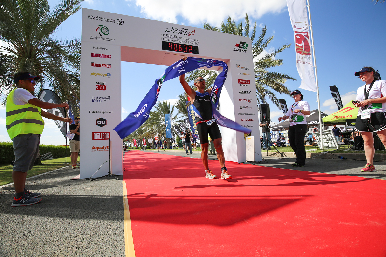 Godart wins Dubai International Triathlon 2015