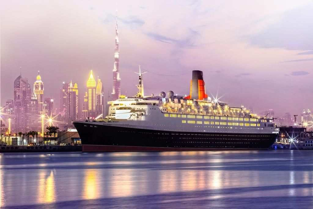Floating Hotel Dubai Queen Elizabeth 2 Hotel UAE