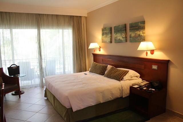 Fujairah Rotana Hotel, UAE -Bedroom