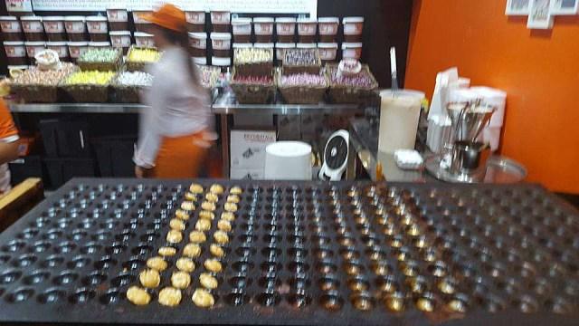Holland House Mini Pancakes, Dubai UAE - Fluffy Pancakes