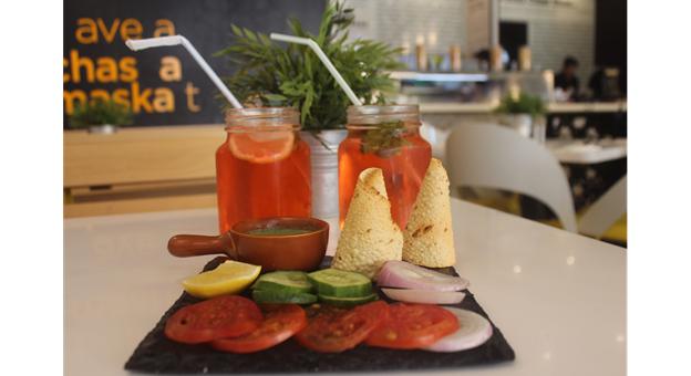 Masala Pot Restaurant - Business Bay Dubai UAE Review - Veg Starter with Drinks