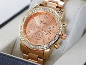 Rose Gold Plated Full Stainless Steel Lady Quartz Watch.