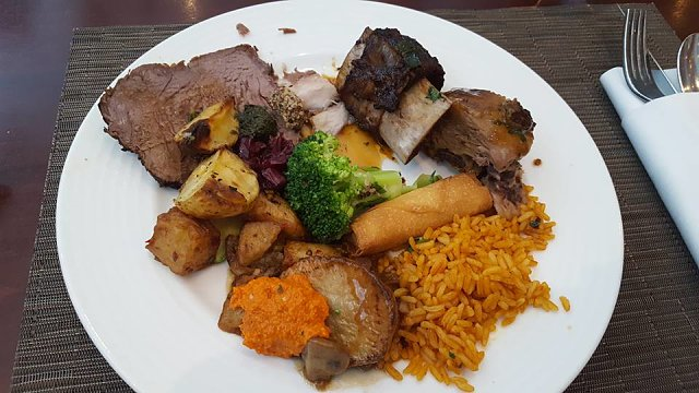 Fountain Restaurant Dubai - Delicious Food