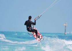 Kitesurfing school in Dubai | Kitesurfing classes in Dubai