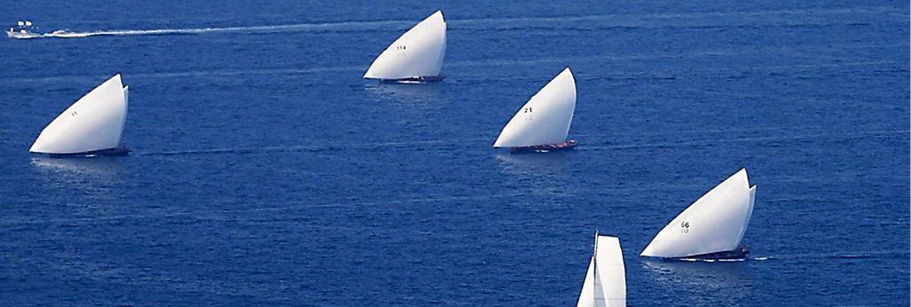 Dubai Traditional Rowing Race: Heat 1